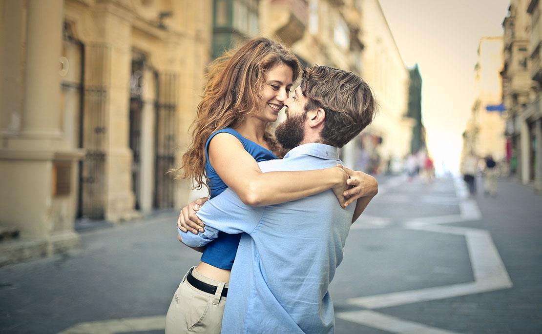 Dating dieses mädchen, aber immer noch gefühle für einen anderen